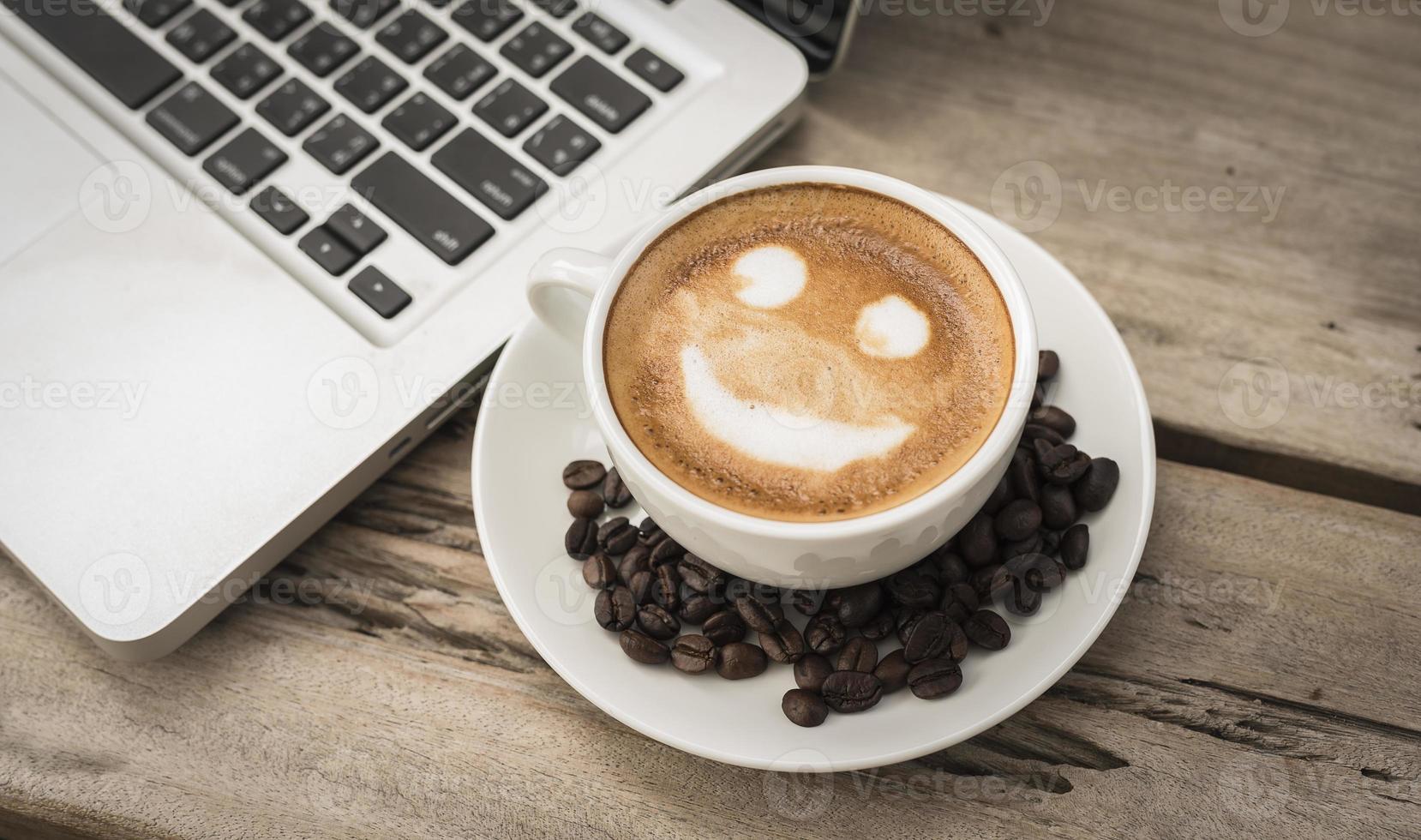glimlach latte foto