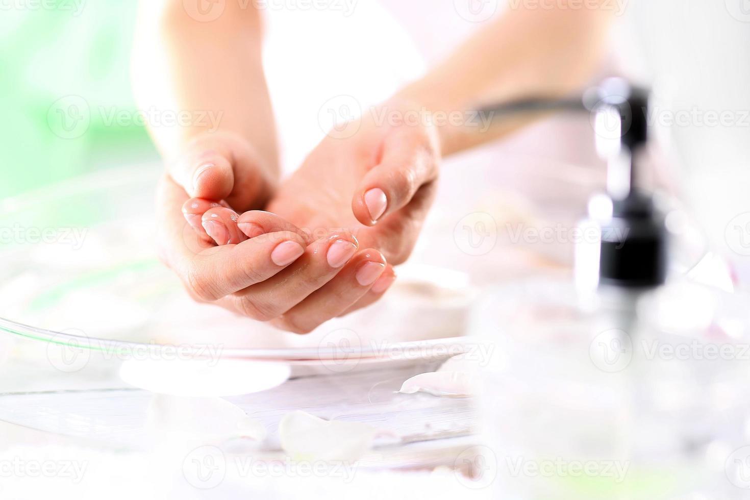 vergeet niet om hun handen te wassen foto