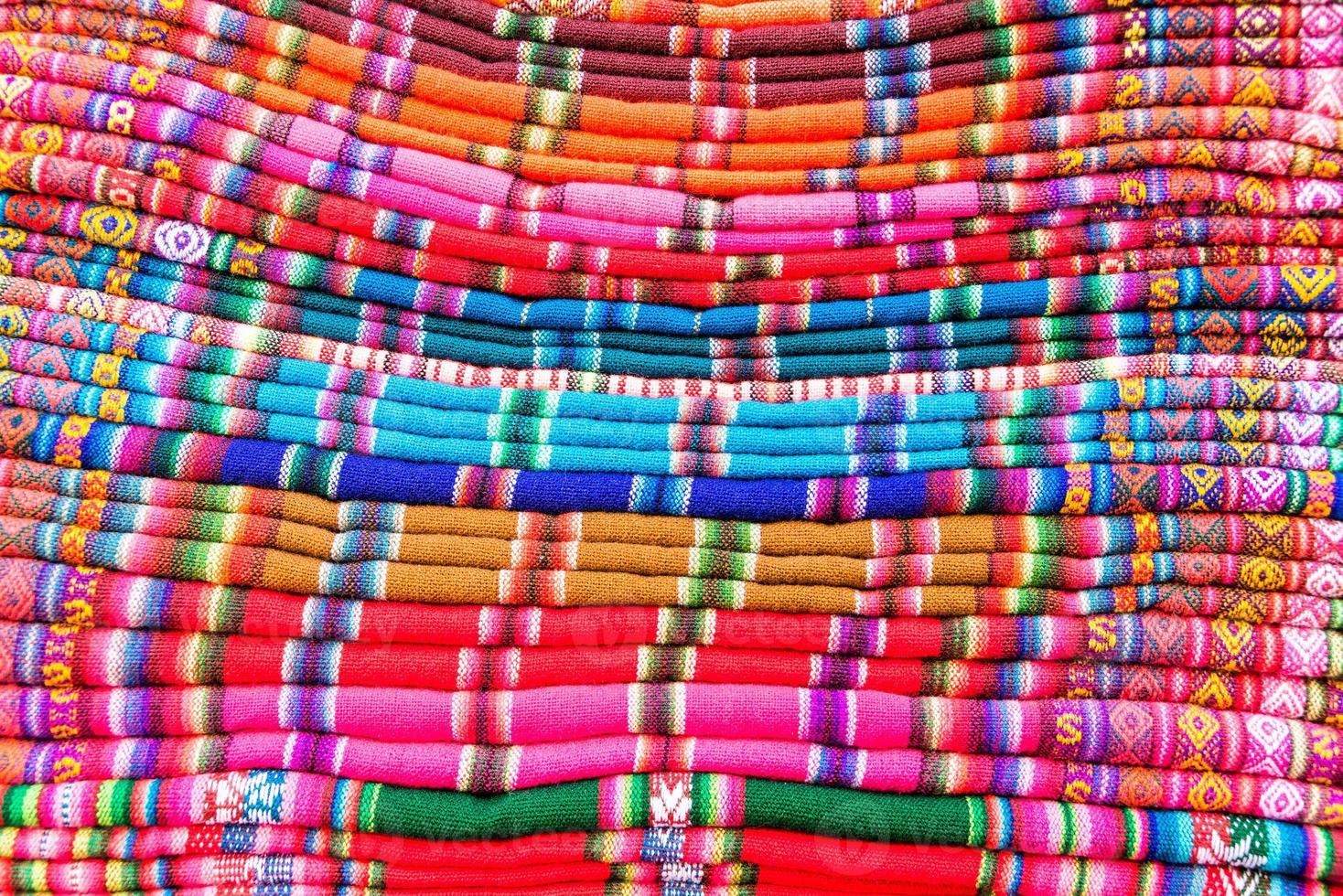 kleurrijke stoffen in bolivia foto