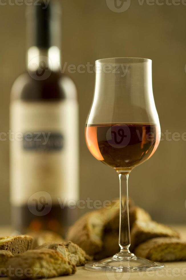 Italiaanse cultuur, vin santo met cantuccini foto