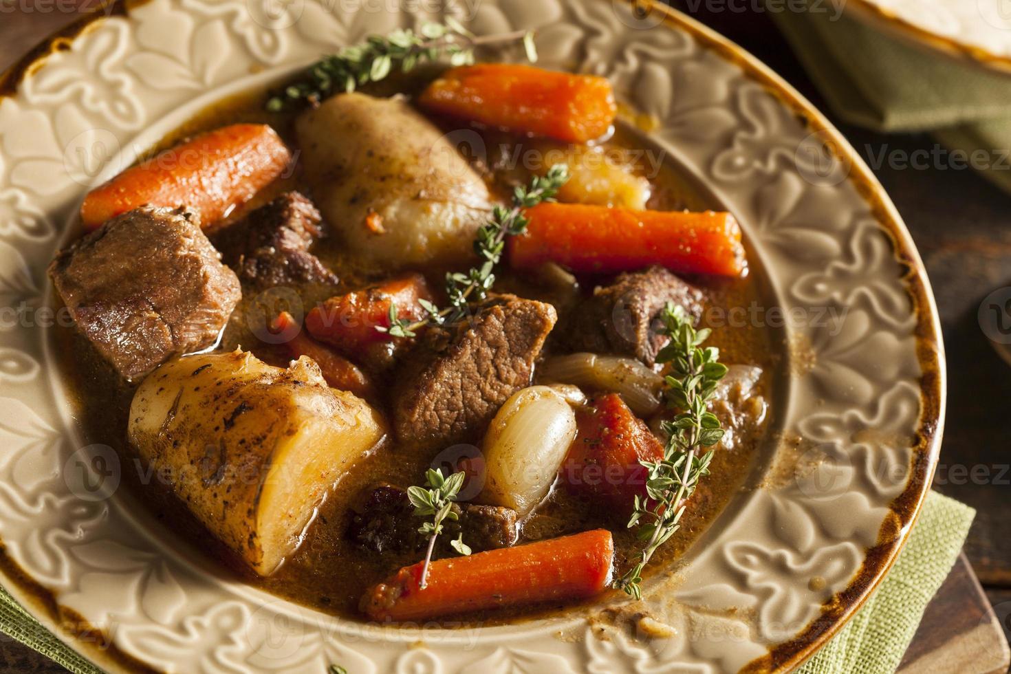 zelfgemaakte Ierse rundvleesstoofpot foto