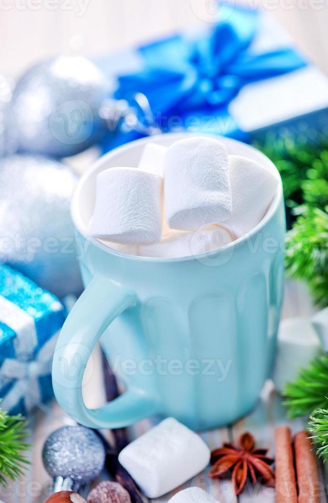 warme drank met marshmallows foto