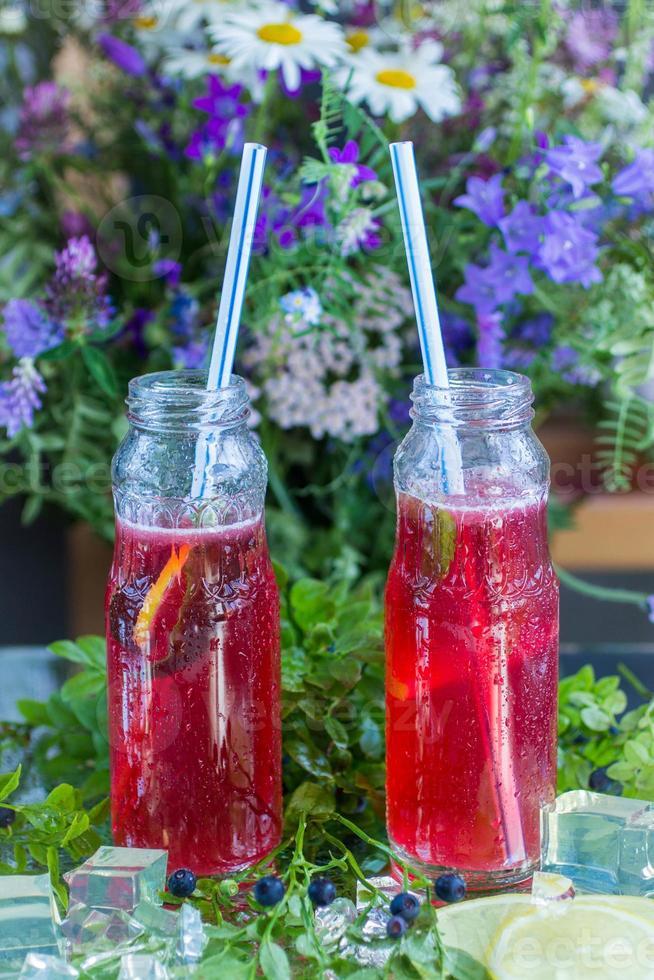 bessenlimonade - zomer koel drankje foto