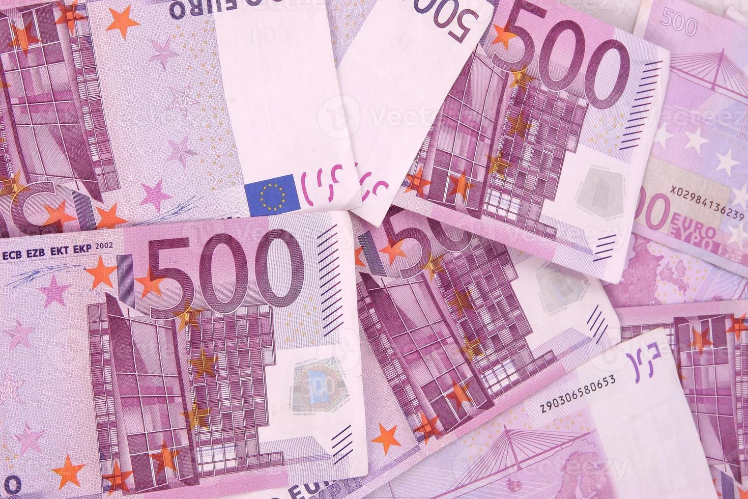 scherpe euro achtergrond 500 bankbiljetten foto