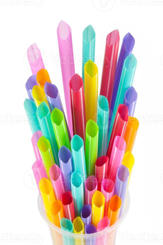 gekleurde plastic rietjes foto