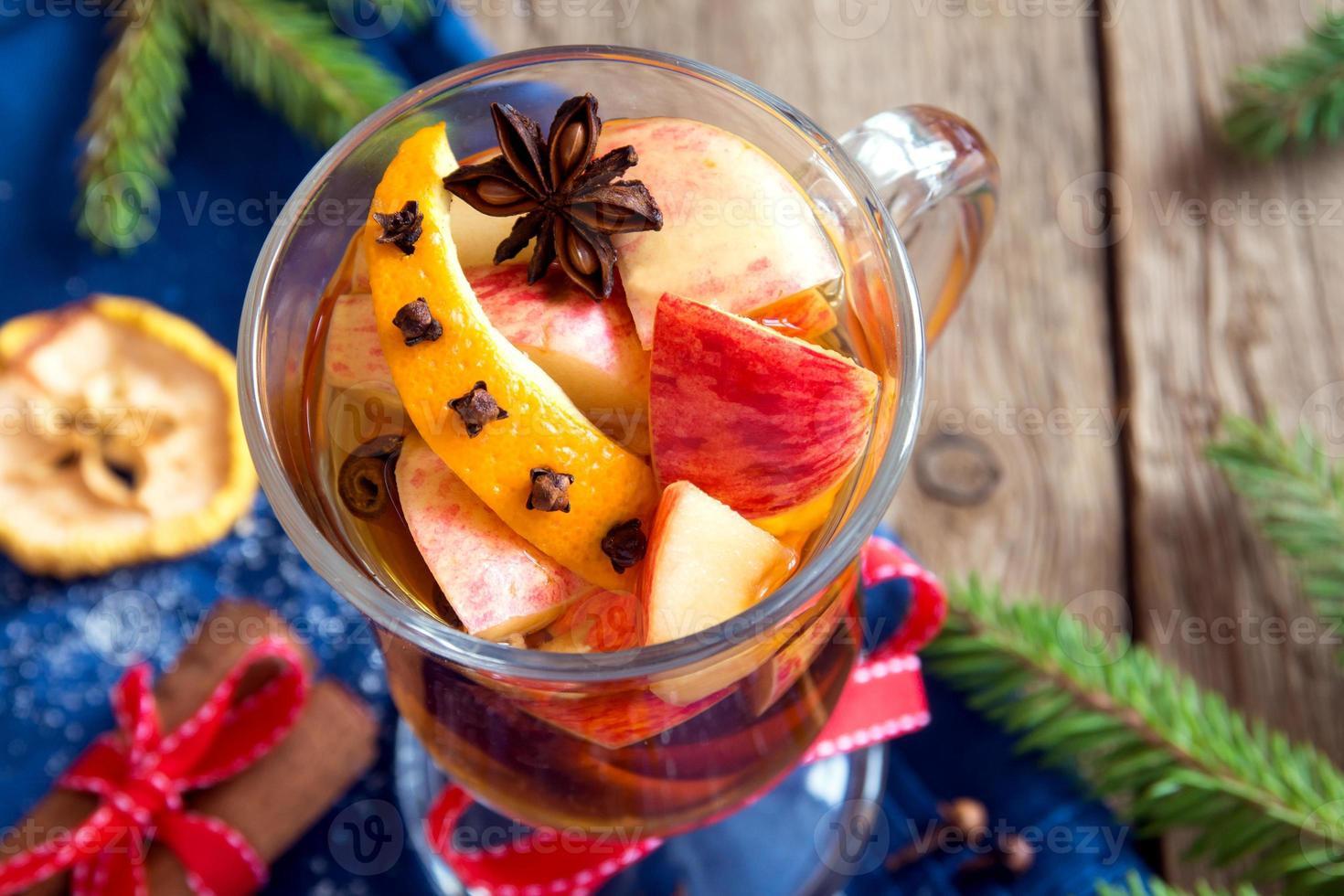 pittige warme drank (cider, punch) foto