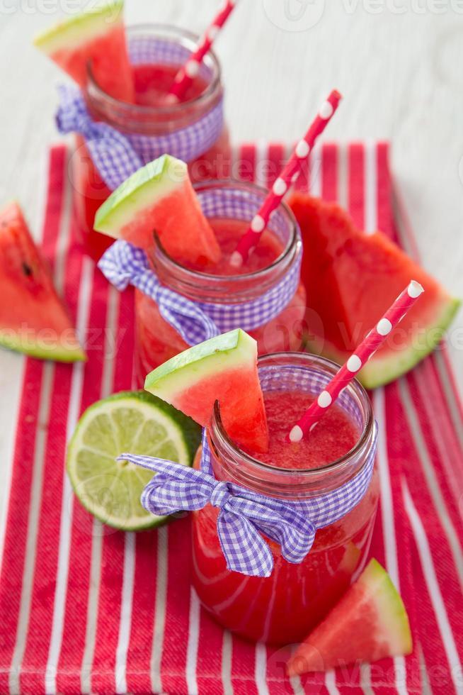 vers fruitsap, gezonde dranken. foto