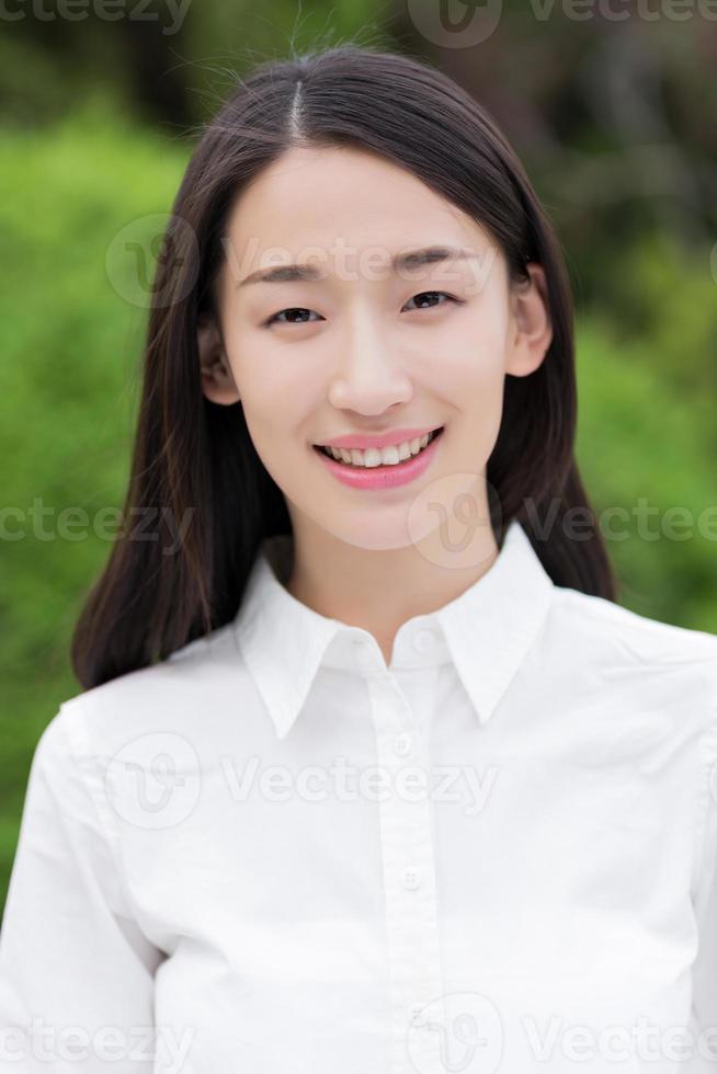 gelukkig tienermeisje foto