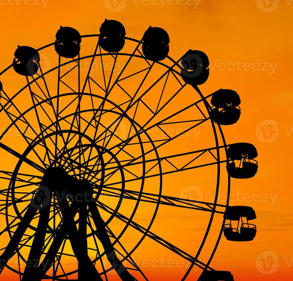 reuzenrad bij zonsondergang. foto