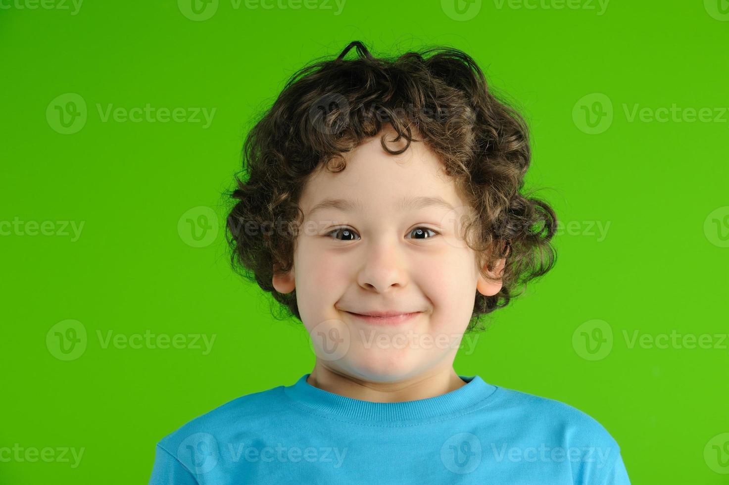 vrolijke jongen foto