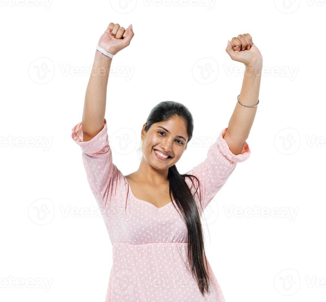 vrolijke casual jonge vrouw vieren foto