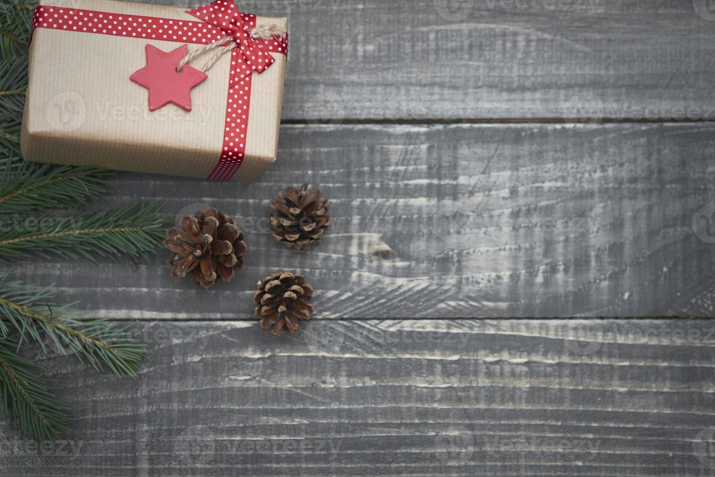 kerstcadeau op het hout foto