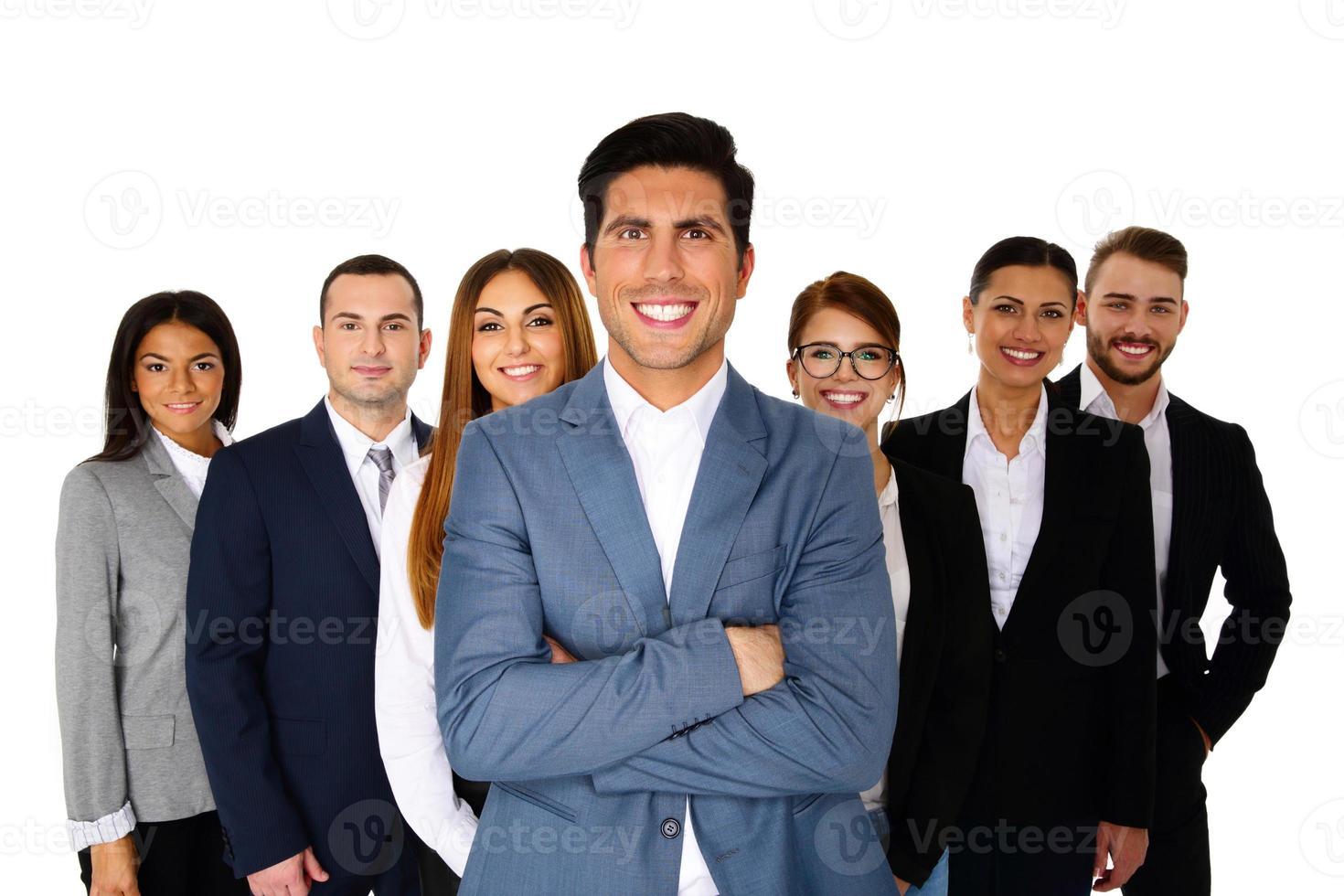 vrolijke man leidt zijn gelukkig team foto