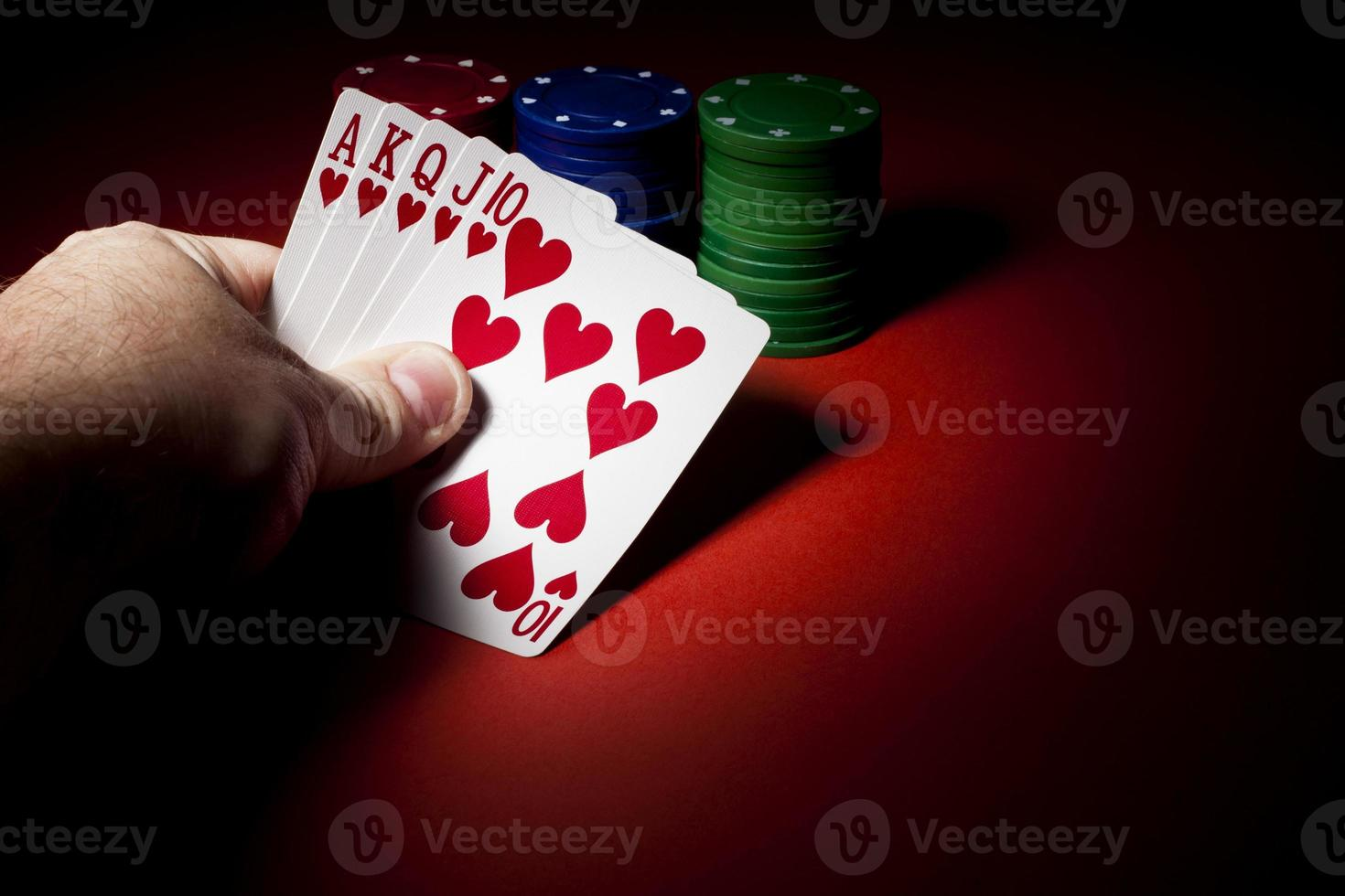 pokerfiches, royal flush en kopieerruimte foto