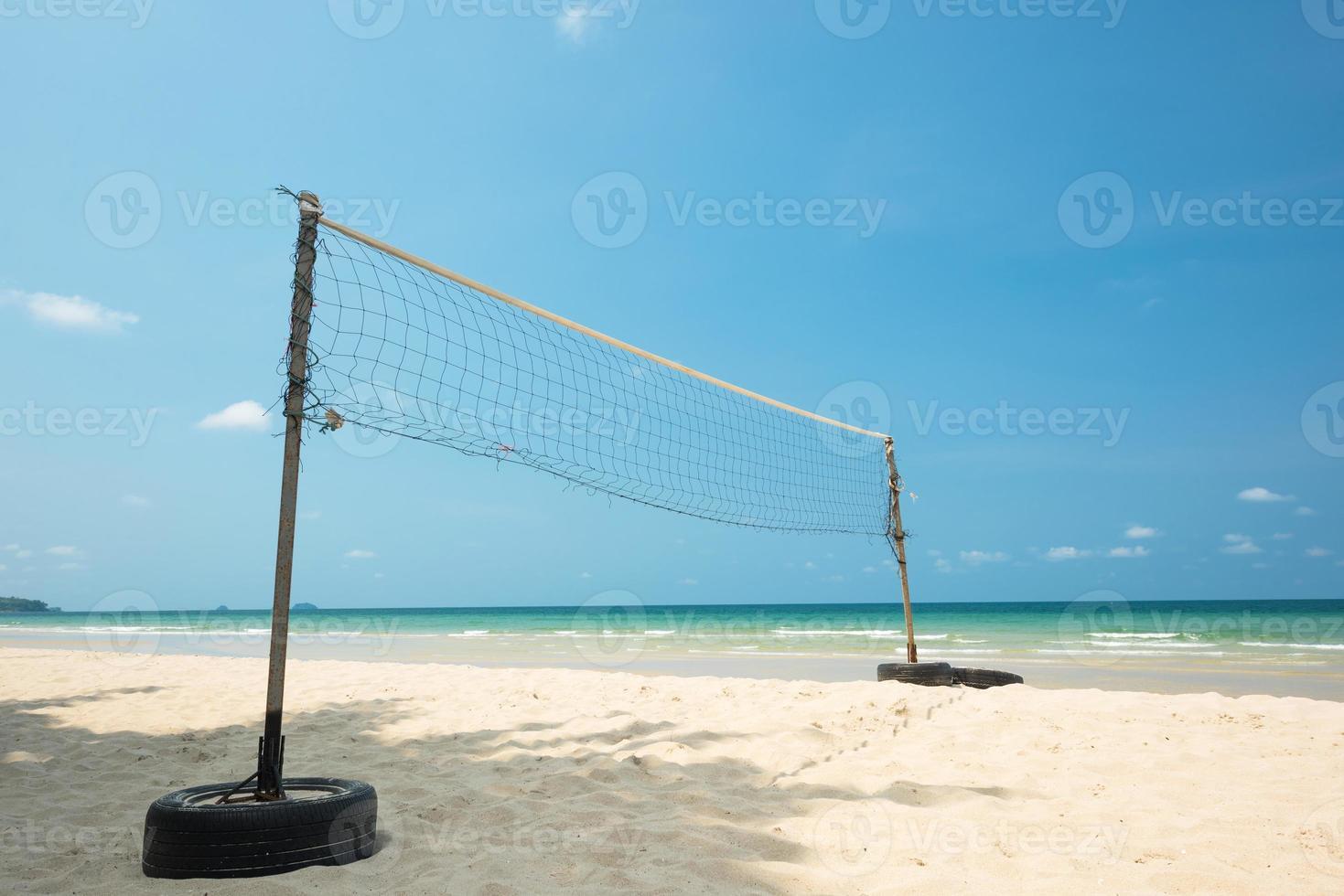 volleybalnet op het strand foto