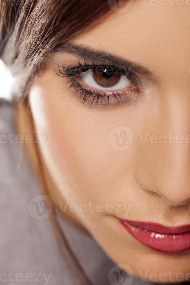 half gezicht van een mooi meisje foto