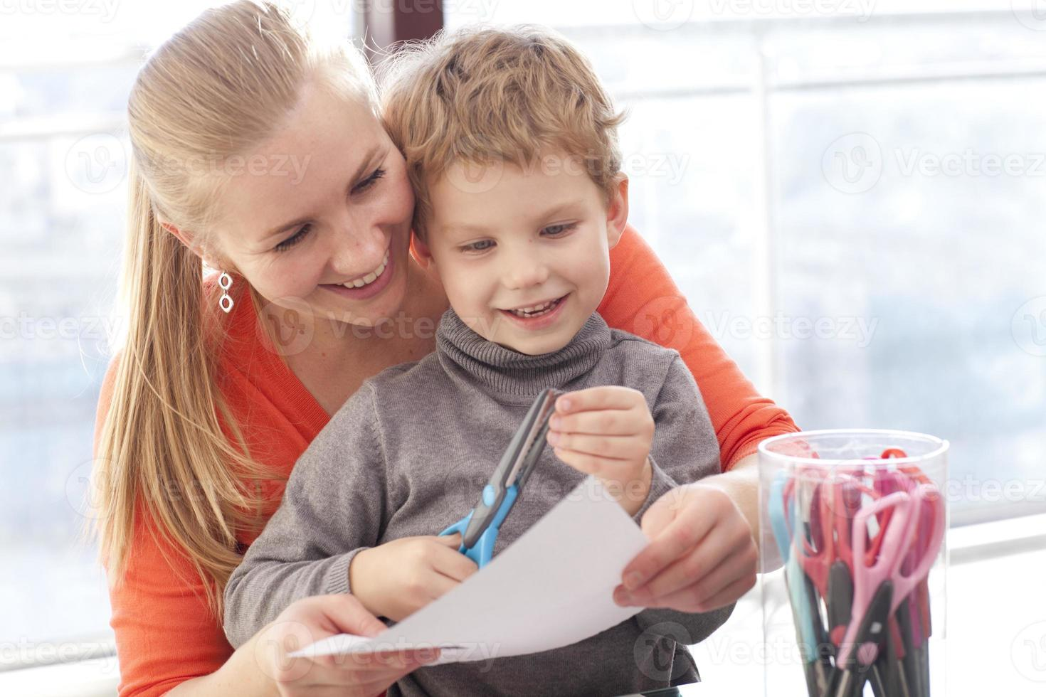 moeder en zoon studeren foto