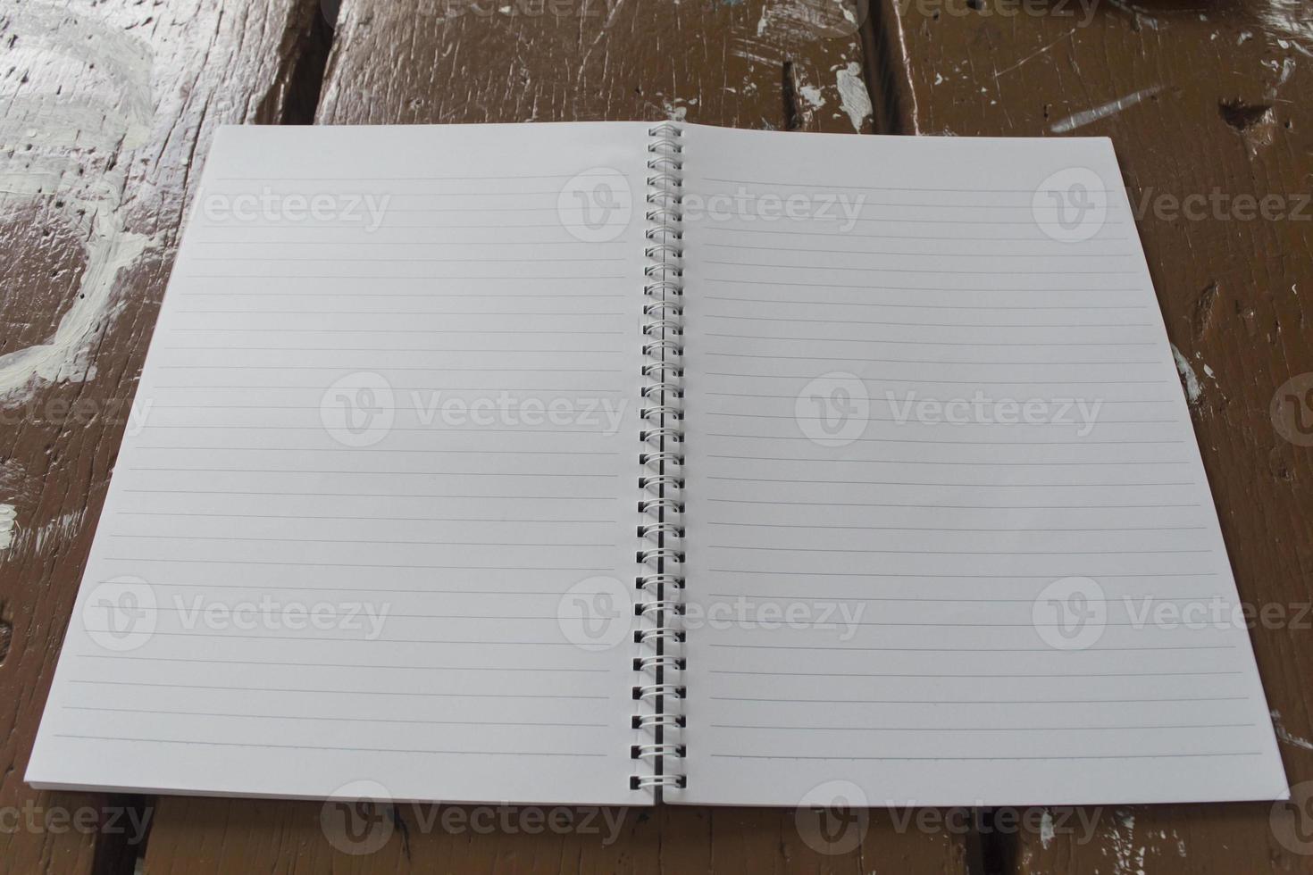 wit papier van notebook foto