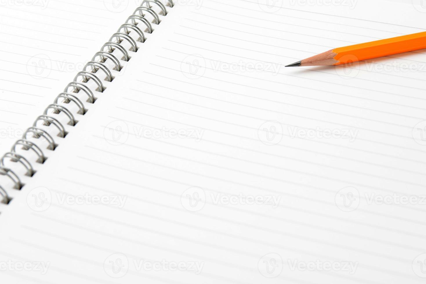 opmerking en potlood met tekstruimte foto