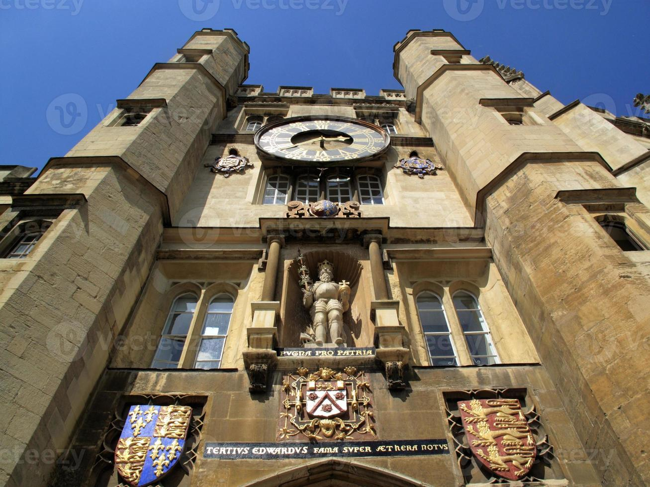 ingang van de kapel Trinity College Cambridge University foto
