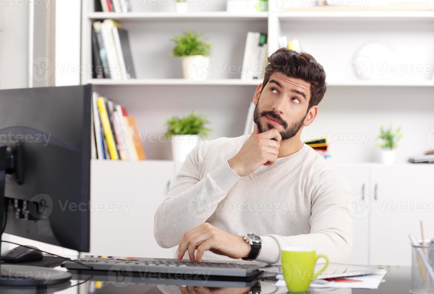 zakenman aan het werk foto