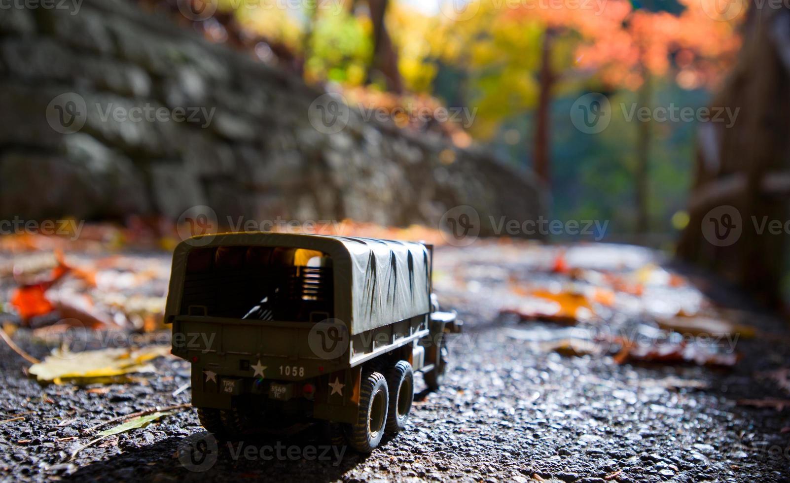 vrachtwagen buiten herfst foto