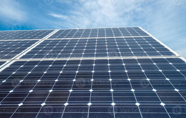 fotovoltaïsche panelen - alternatieve elektriciteitsbron foto