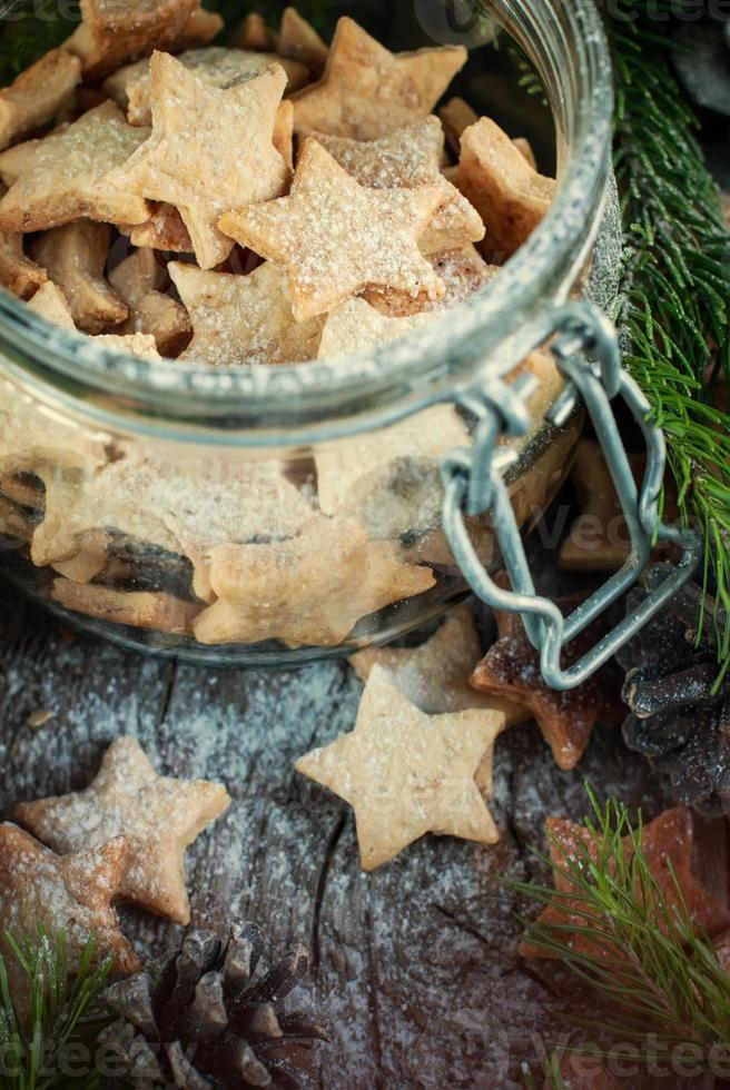 gember kerstkoekjes sterren in de pot foto