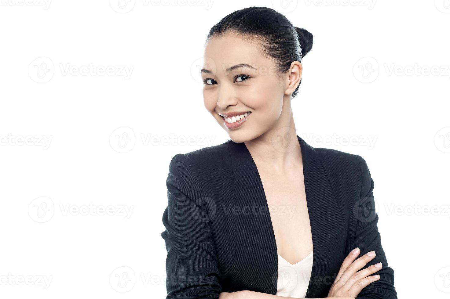 lachende zakelijke vrouw, geïsoleerd op wit foto