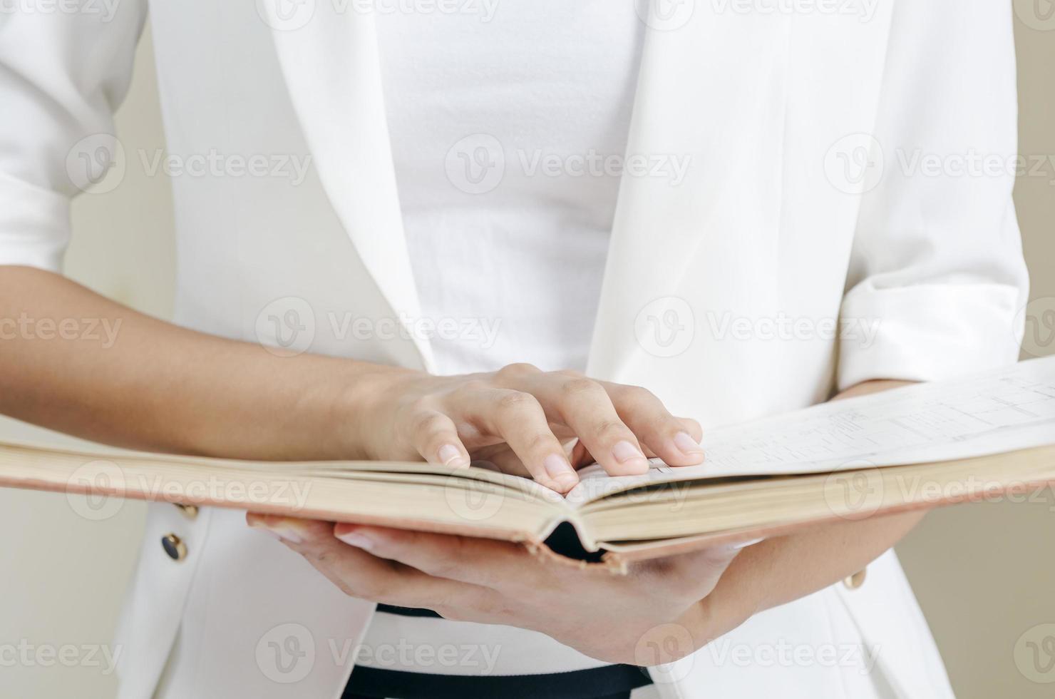 een handleiding lezen foto