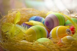 gekleurde paaseieren foto