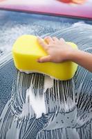 handen wassen auto
