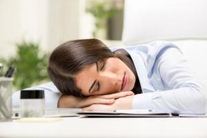 slapende zakenvrouw foto