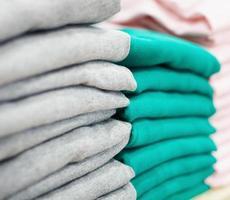 stapels kleding foto
