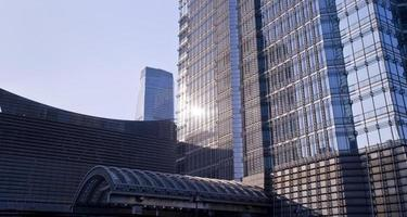 muur van kantoorgebouwen close-up, shanghai, de jinmao toren foto