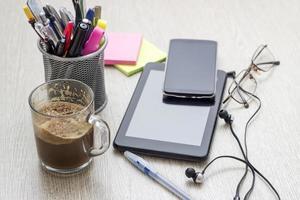 eenvoudige werkruimte foto