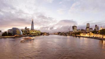 Londen stadsgezicht in de schemering