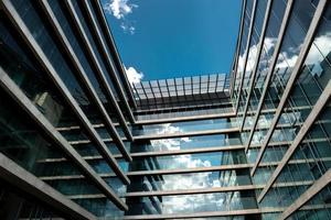 shot van modern gebouw foto