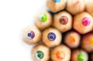 abstracte compositie van een set houten kleurpotloden foto
