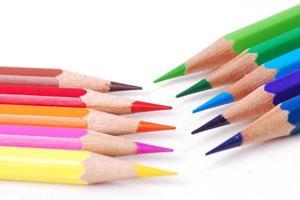kleurrijk potlood op isolate achtergrond foto