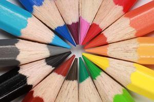 kleurpotloden vormen een cirkel foto