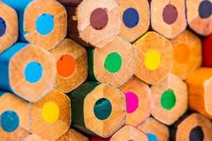 close-up van kleurpotloden foto