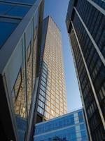 bedrijfsgebouwen in het financiële district van Frankfurt foto