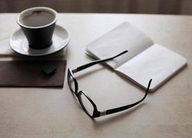 kopje koffie, glazen foto