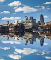modern deel van Londen in de buurt van de Tower Bridge in Engeland foto