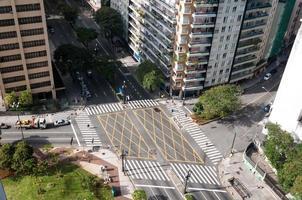 straten oversteken in Sao Paulo foto