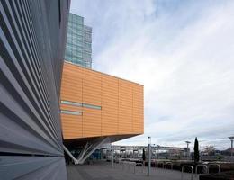 fragmenten van geometrische moderne architectuur gebouwen stedelijke modernistische stad foto