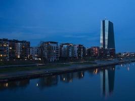 het nieuwe hoofdkantoor van de europese centrale bank, ecb, ezb, frankfurt, duitsland foto