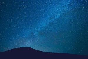 nachtelijke hemel met sterren foto