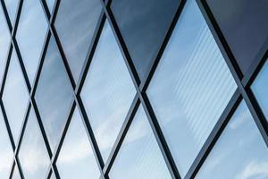 architectonische lijnen van een industrieel gebouw